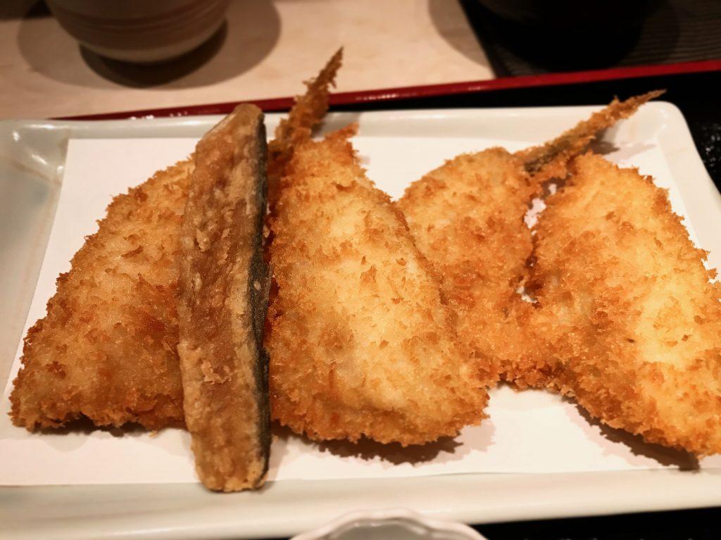 かみひとえ 「京ばし松輪」1時間で売り切れるアジフライ定食とは?
