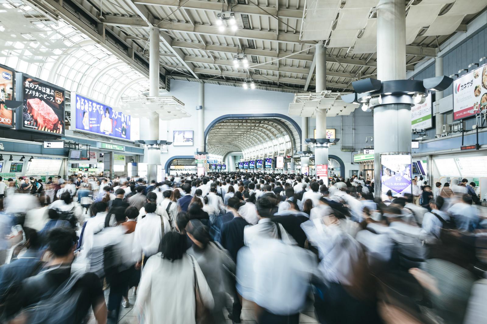 混雑した満員電車のストレスから解放される為に行うべき7つの方法